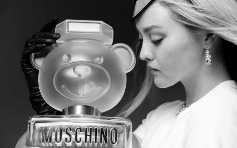 thiet-ke-doc-dao-cua-moschino-toy-2