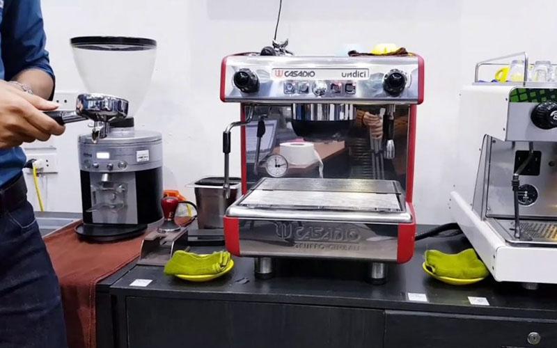 thiet-ke-may-pha-cafe-Casadio-Undici-Auto-1