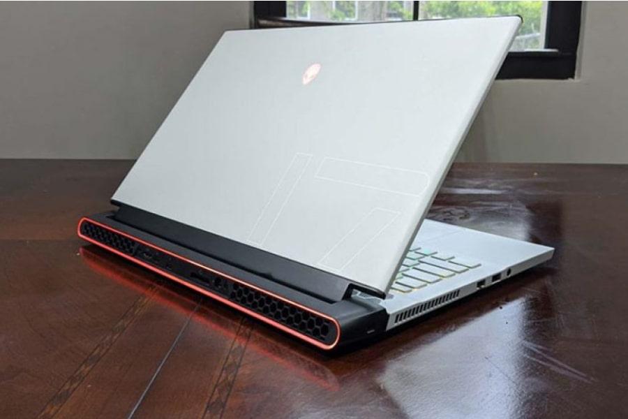 laptop Dell Alienware M17 R3